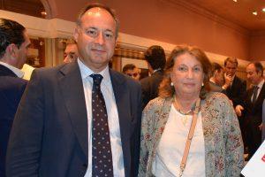 El director general de Construcción de Martín Casillas, Ignacio Martín, con la directora-editora de Ai, Rosa Hafner